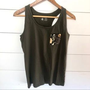 LEGENDARY WHITETAILS Tank Top with Camo Pocket
